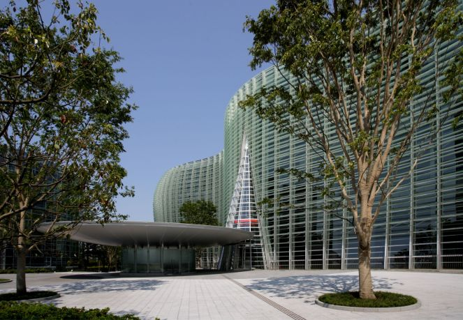 2. The exterior of The National Art Center, Tokyo.jpg