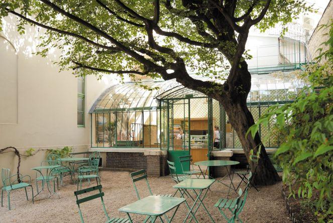 jardin salon de thé Groupe Bertrand ©Arnaud Rinuccini.jpg