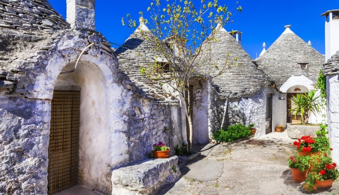 treasure-hunt-trulli-puglia-1.jpg